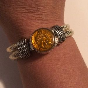 Jewelry - Gold crackled rope snap bracelet with snap
